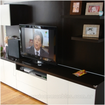 Mueble para TV plana color wenge y laca brillante